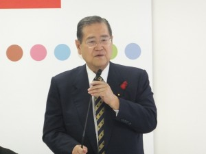 有床診議連で挨拶する野田会長=23日、自民党本部