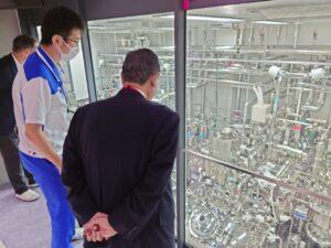 野田たけしKMバイオ視察風景2